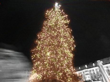 Weihnachtsbeleuchtung Kugel Aussen.Die Schönste Weihnachtsbeleuchtung Außen Welches Sind Die Besten